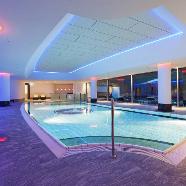 Sauna & Swimming pool